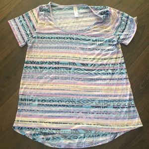 3 for $10🎉Lularoe purple Aztec shirt